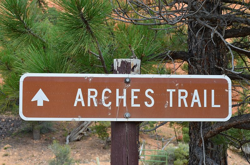 Schild am Arches Trail, Losee Canyon, Red Canyon, UT